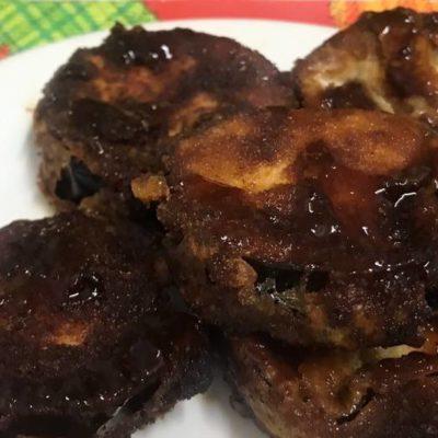 Breaded eggplants with panela